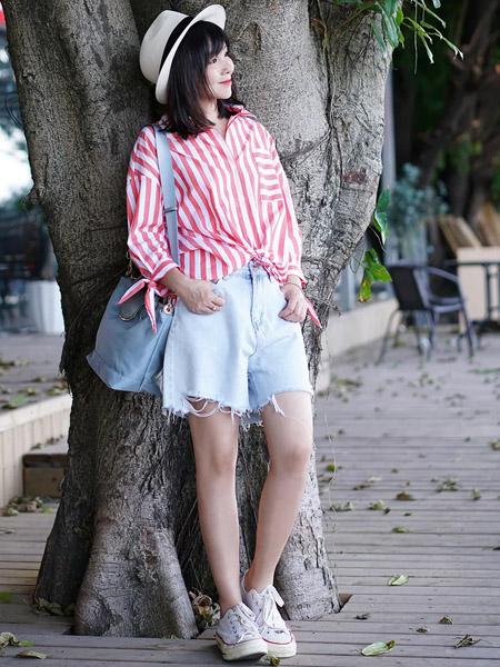 TAN NASSEY女装品牌2020春夏粉红色竖纹衬衫