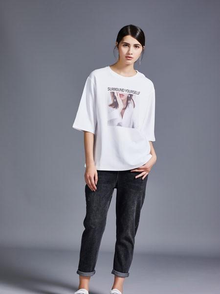 尼赫菲女装品牌2020春夏白色人像T恤
