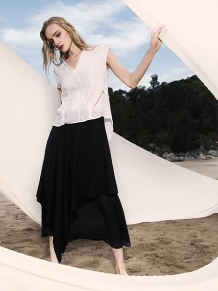 梦奴娇女装品牌2020春夏V领白色雪纺衫