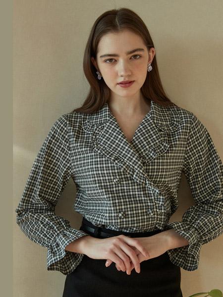 INUSWAY女装品牌2020春夏V领黑白色衬衫