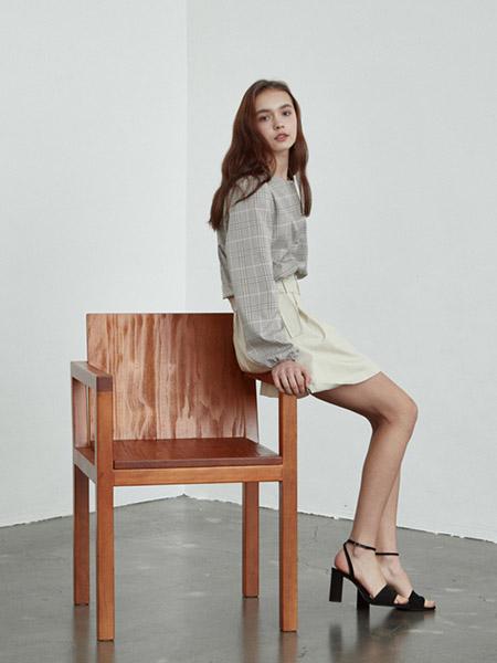 INUSWAY女装品牌2020春夏大格纹灰色衬衫雪纺