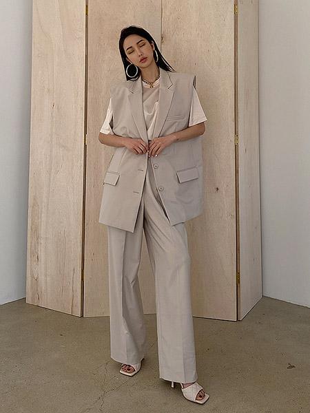 艾匹思女装品牌2020春夏灰色西装套装