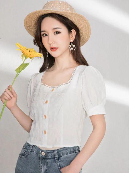 美丽穿女装品牌2020春夏方领白色T上衣