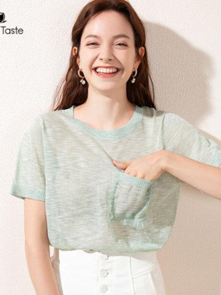 郁香菲女装品牌2020春夏圆领短袖T恤直筒透气舒适口袋装饰百搭上衣