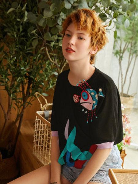 米可芭娜女装品牌2020春夏印花毛针织衫抽象图案套头五分袖空调衫薄2020年夏季新款