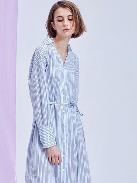 M.STUDIO女装品牌2020春夏V领竖纹蓝色连衣裙收腰