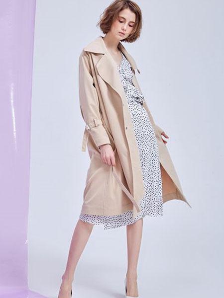 M.STUDIO女装品牌2020春夏米色长款风衣外套