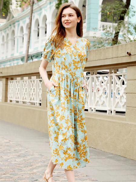 因为女装品牌2020春夏V领黄色碎花蓝底连衣裙