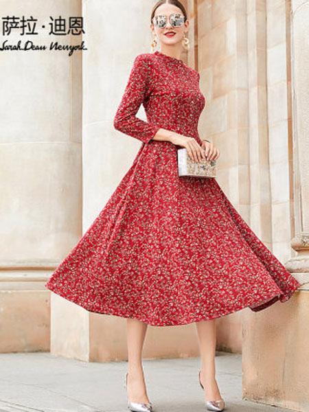 萨拉迪恩女装品牌2020春夏红色小碎花连衣裙女长袖2020新款春季复古立领长款收腰大摆长裙