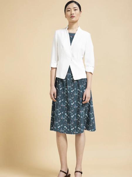 杰克林女装品牌2020春夏白色短西装