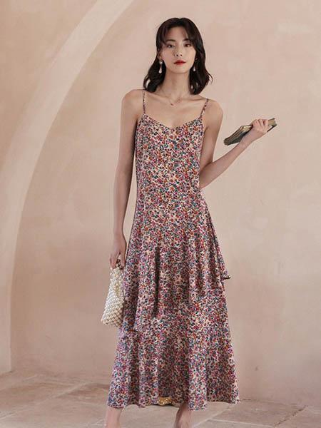 弥古女装品牌2020春夏复古显瘦修身吊带裙长裙