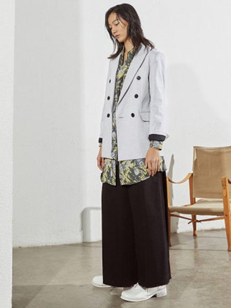 子苞米女装品牌2020春夏双排扣装饰棉通勤时尚西装外套女