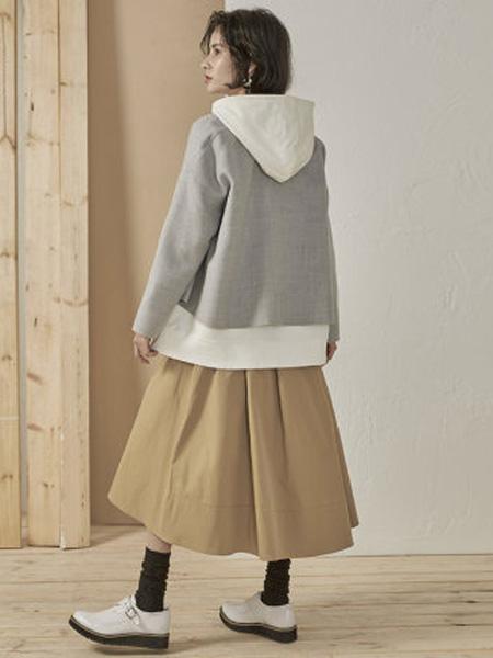 子苞米女装品牌2020春夏大压褶优雅女半身裙