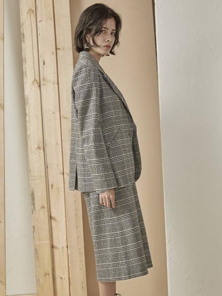 子苞米女装品牌2020春夏棉格纹女式西服外套