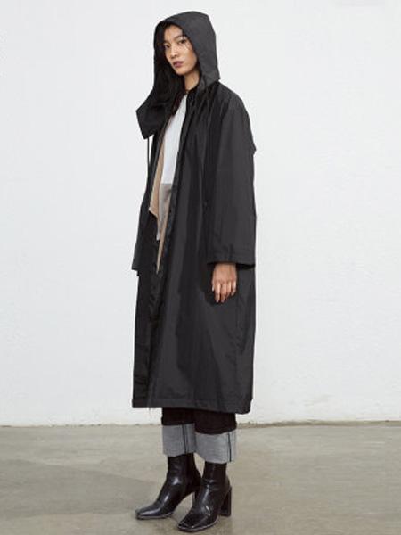 子苞米女装品牌2020春夏暗黑风皮衣女修身可拆卸风帽风衣