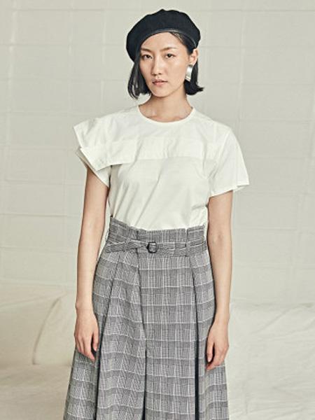 子苞米女装品牌2020春夏女式白色短袖休闲套头T恤衫棉