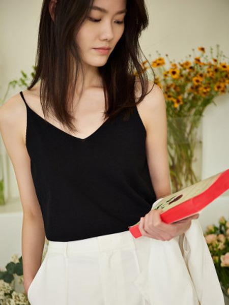 洛可可女装品牌2020春夏黑色v领外穿吊带背心女内搭上衣