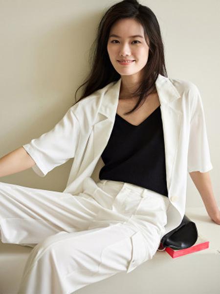 洛可可女装品牌2020春夏英伦风西装外套女士宽松休闲上衣