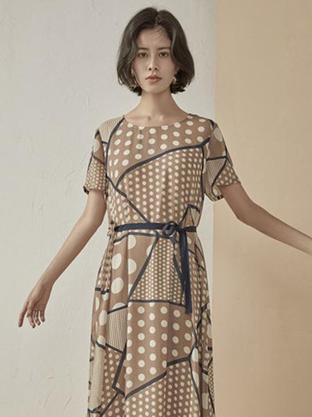 子苞米女装品牌2020春夏显瘦百搭波点桑蚕丝连衣裙新款