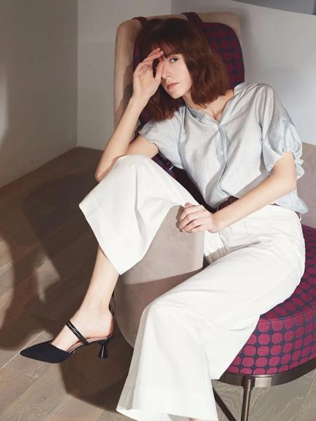 璞秀女装品牌2020春夏浅蓝色雪纺衫
