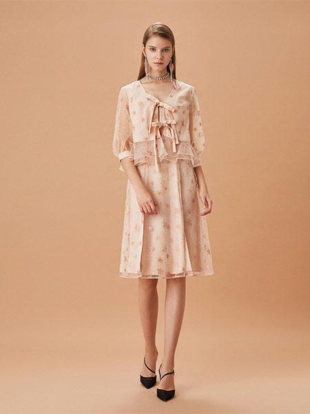 FLO NAKED女装品牌2020春夏知性温柔风连衣裙