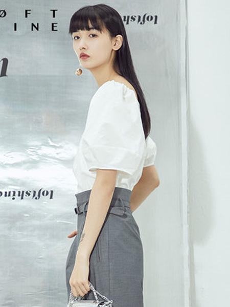 LOFT SHINE女装品牌2020春夏明星同款V领纯色上衣