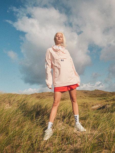 大黄蜂-Hummel休闲品牌2020春夏粉色休闲运动上衣