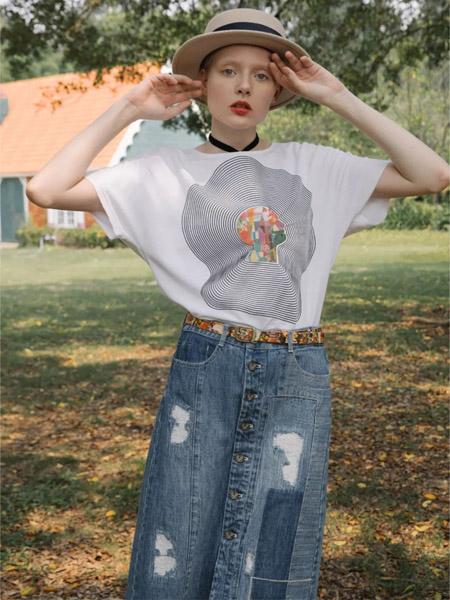谜底女装品牌2020春夏白色宽松T恤