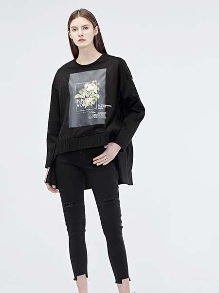 圣迪奥女装品牌2020春夏黑色宽松T恤长袖