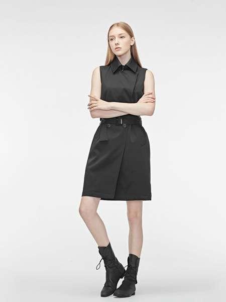 圣迪奥女装品牌2020春夏无袖翻领修身连衣裙