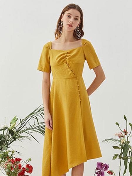 观钵缘女装品牌2020春夏方领黄色连衣裙