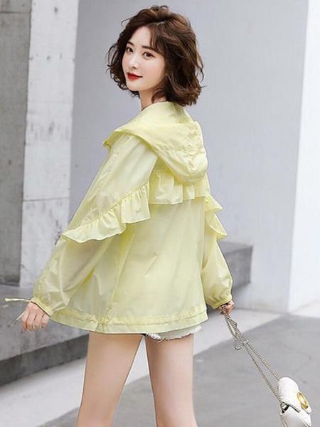 花月秋女装品牌2020春夏绿色连帽防晒衣