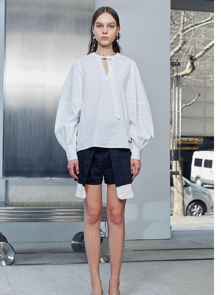 IMMI女装品牌2020春夏白色宽松衬衫