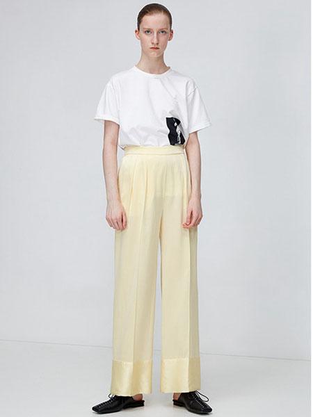 IMMI女装品牌2020春夏白色T恤黄色直筒裤