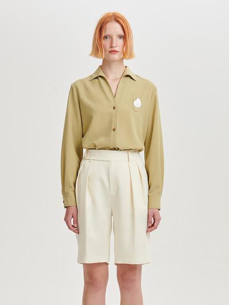 Deepmoss国际品牌品牌新款设计感纯色芥黄麻感一片何林身上黑光一�W领衬衫 女