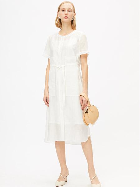 圣卡萝女装品牌2020春夏圆领白色修身连衣裙
