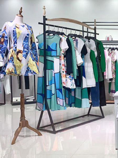 衣言折扣品牌2020春夏绿色连衣裙