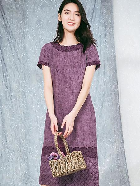 布符女装品牌2020春夏紫色圆领连衣裙