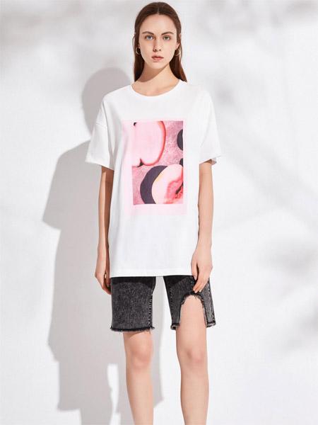 昆诗兰女装品牌2020春夏圆领白色长款T恤