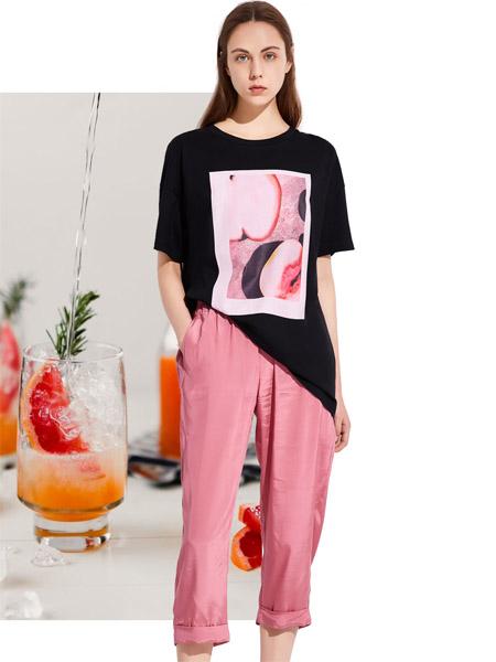 昆诗兰女装品牌2020春夏黑色宽松T恤
