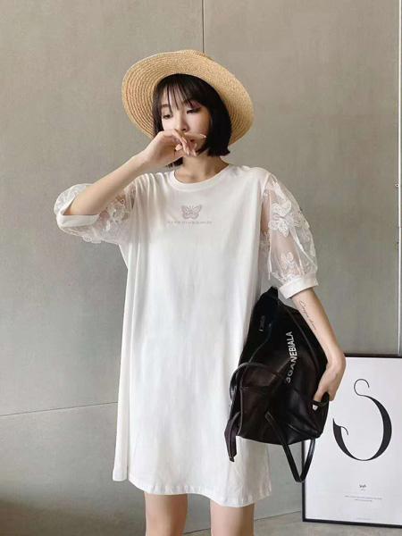 G55女装品牌2020春夏圆领白色宽松连衣裙