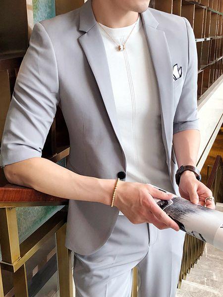 �讨伟钅崮醒b品牌2020春夏淡灰色西�b套�b