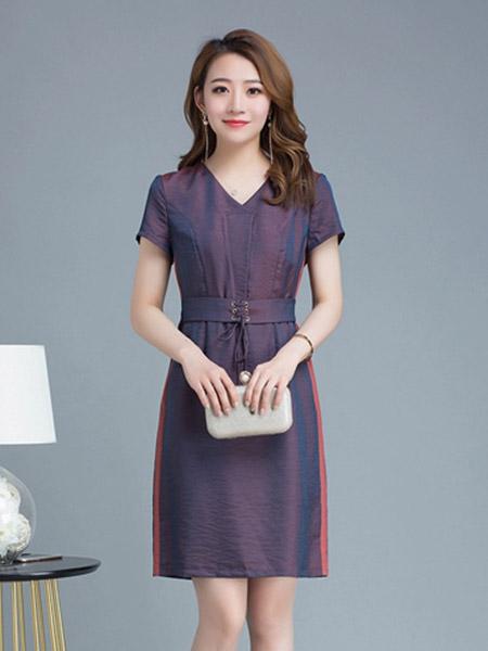 夺宝奇兵女装品牌2020春夏V领紫红色收腰连衣裙