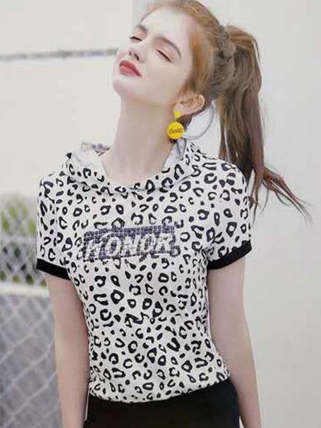 夺宝奇兵综合图片亚洲网友自拍品牌2020春夏连帽斑纹字母白色T恤