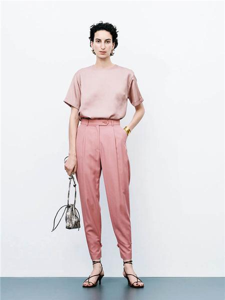 Mila Owen国际品牌2020秋季圆领粉色T恤