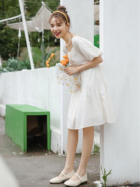 蚂蚁q娃女装品牌2020春夏甜美清纯少女连衣裙