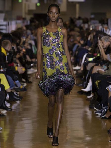Koche国际品牌2020春夏黄色吊带连衣裙