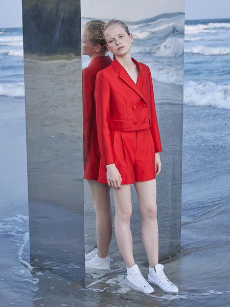 芭蕾君女装品牌2020春夏V领西装连体裤大红色