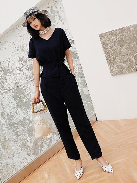 嘉路迪女装品牌2020春夏显瘦时尚黑色连体衣