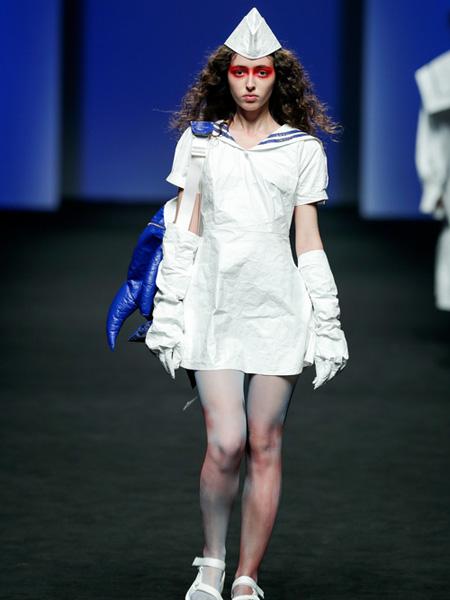 DevilBeauty女装品牌2020春夏荷叶边白色短款连衣裙